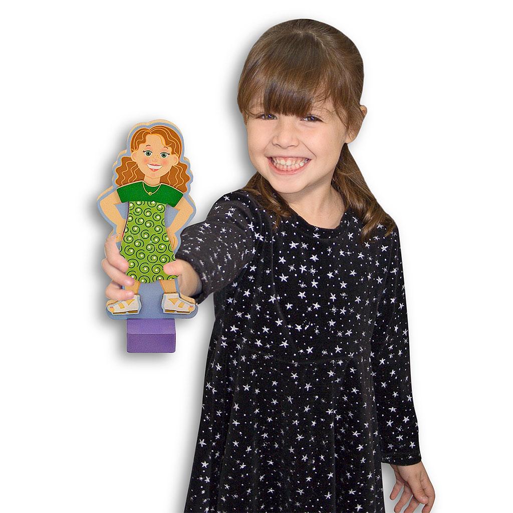 Påklædningsdukke med magneter, snak om beklædning, snak om tøj, snak om hvor skal hun hen og hvad har man på, rolleleg, sprogbad, cochlear implants, høreapparater, ciha, auditory verbal therapy, avt