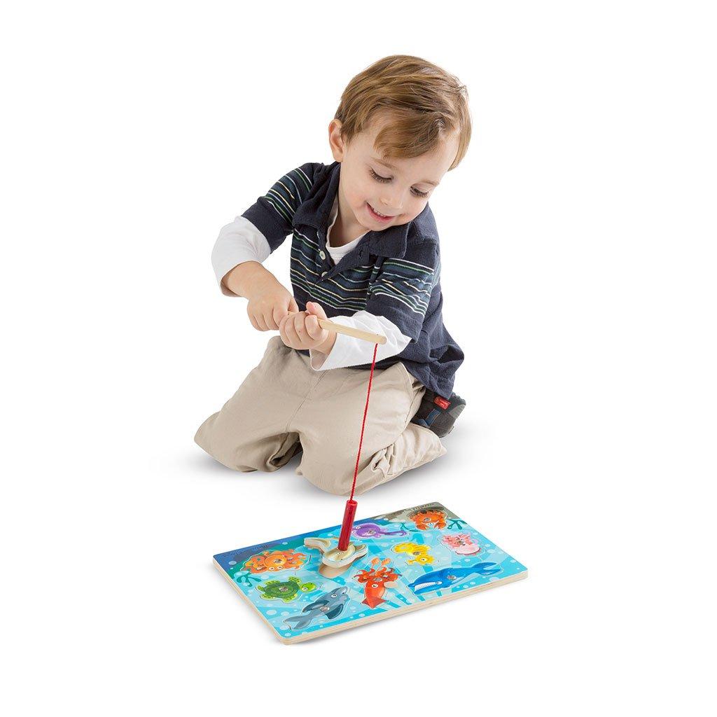 fiskespil, fiskespil med magneter, spil, børnspil, fisk, fiskestand, magnetisk spilbræt, ciha, sprogstimulering, cochlear implants, ci, høreapparater, sprog, børnssprog