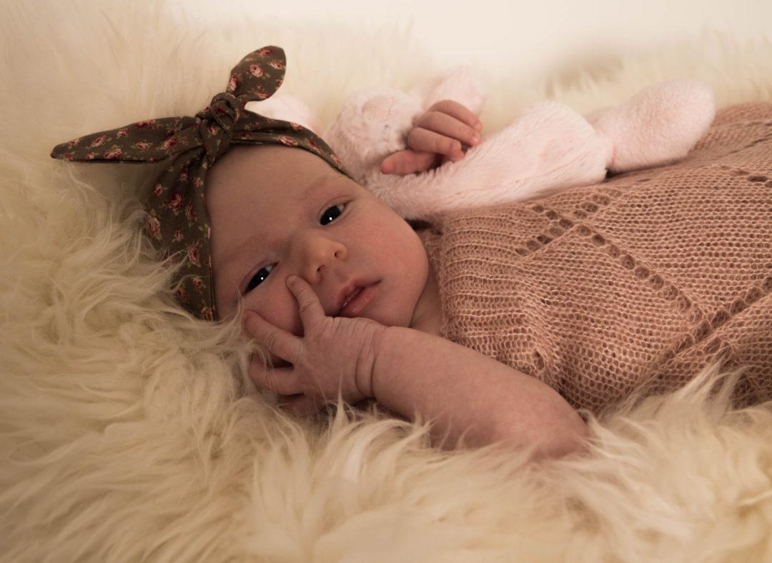 Nyfødt, døv, baby, døvhed, cochlear implant, cioperation, høreapparater, ciha, ella bang amdisen