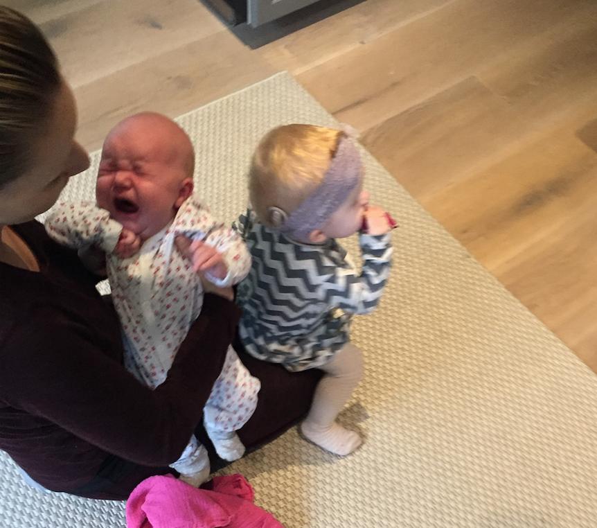 presset mor, nyfødt, døv, høretab