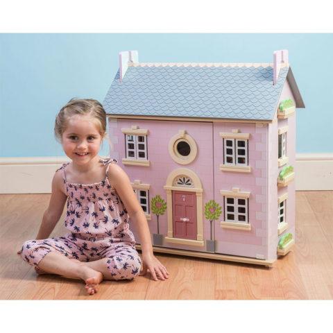 Laurbær dukkehus, baytree house, rolleleg, dukker, dukkefamilie, ciha, sprogtræning, sprogstimulering