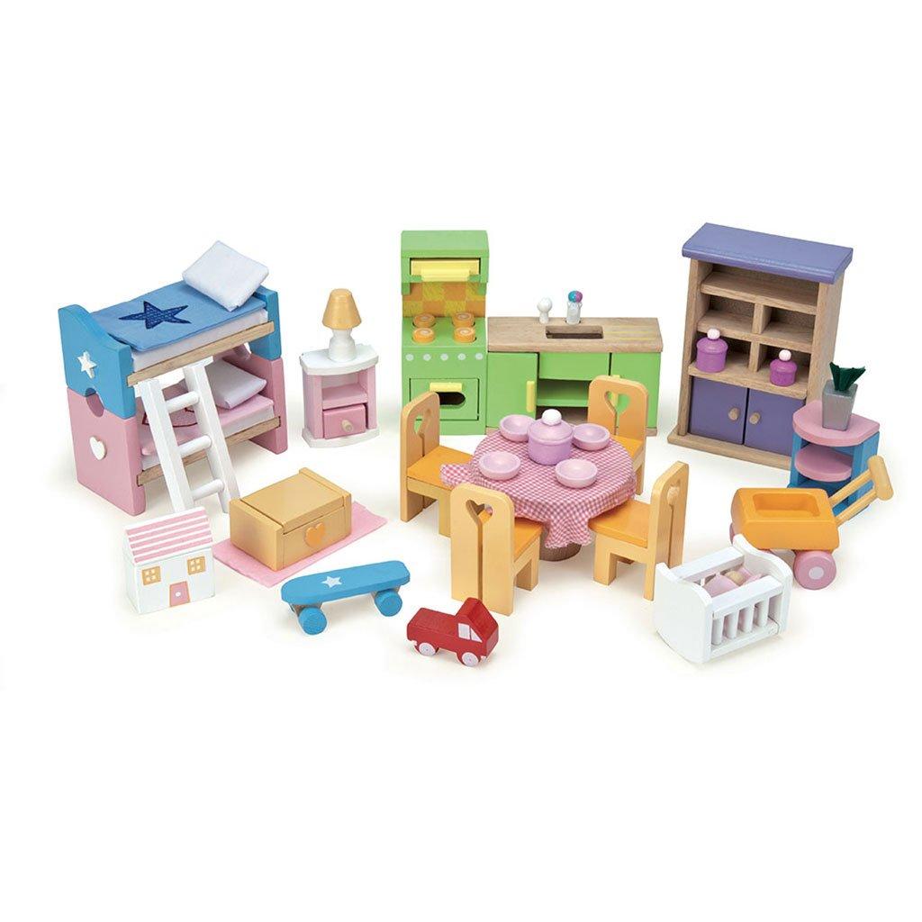 dukkehus, drømmehus, mit første dukkehus, træ dukkehus, rolleleg, leg med dukker, sprogtrænnig, dukkemøbler, sprog, ciha, høretab