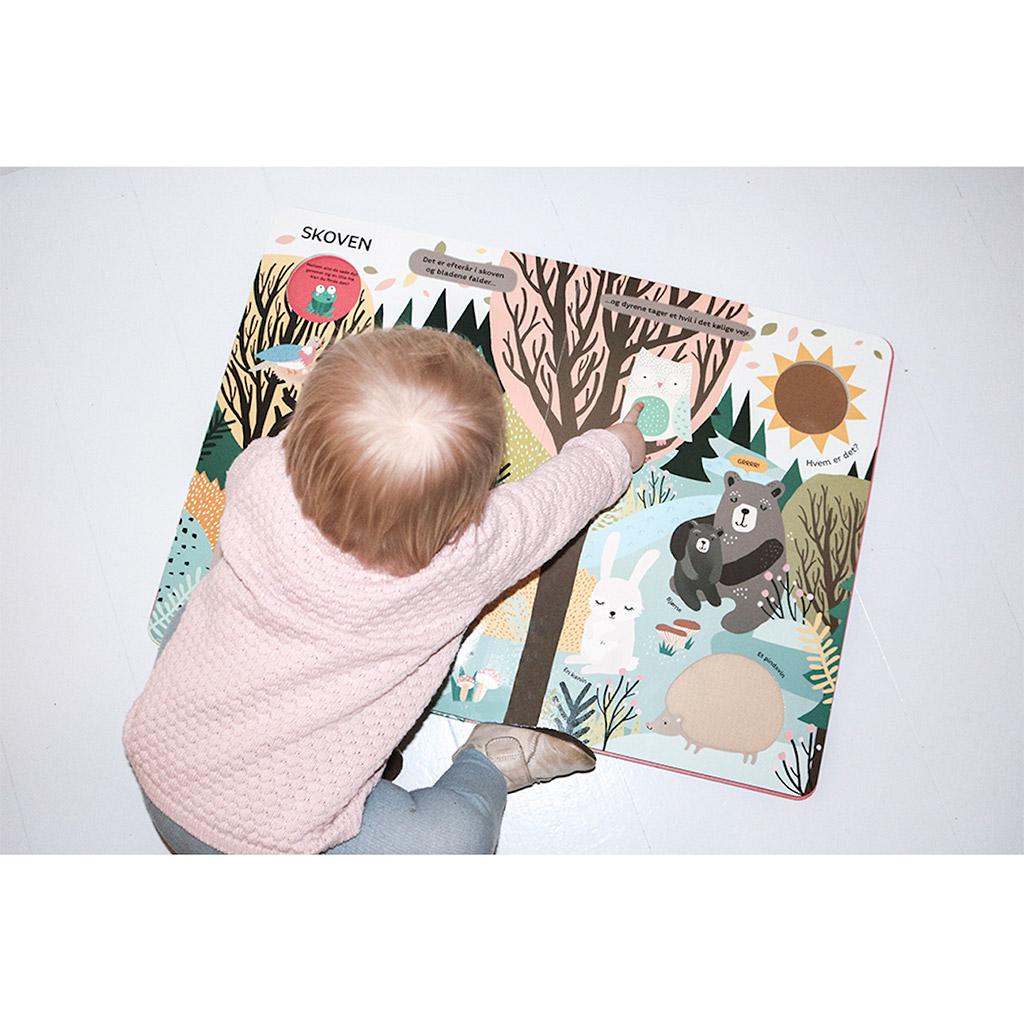 min store rør og føl bog, rør og føl, sansebog, sanser, baby bog, babybog, læsning