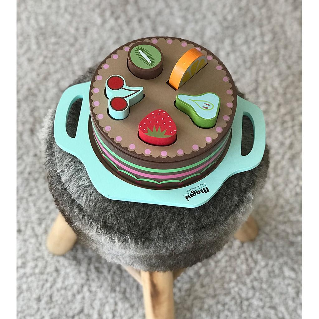 lagkage, 3 i en, magni, multifunktion, multilegetøj, legetøj, rolleleg, trælad, puttekagge, puslespil, legemad, legekage, trælagkage, kognition, logik, motorik