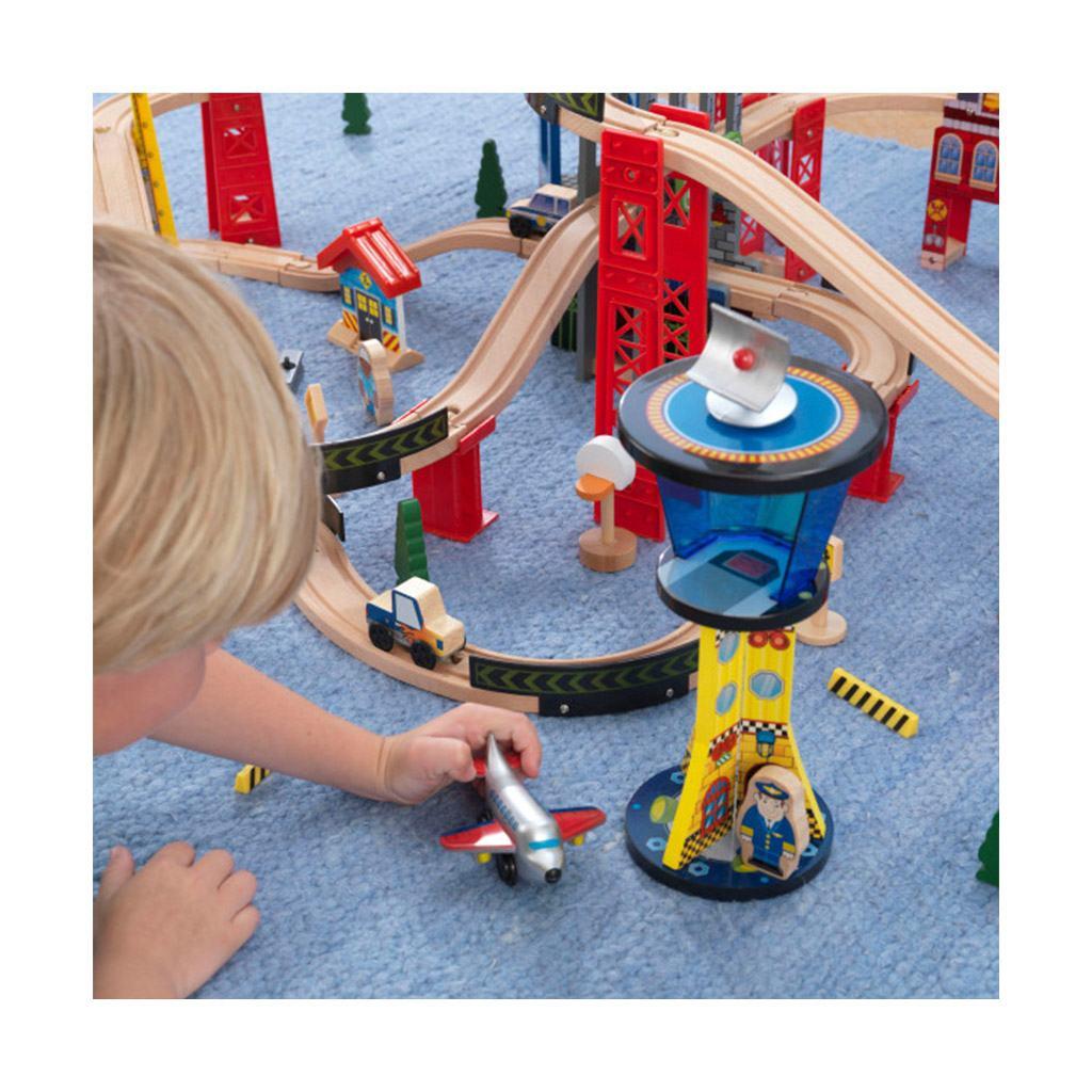 togbane super highway sæt med 80+ dele. Fra brandet kidkraft. Solidt, motiverende og lærerigt legetøj med mange timers leg og læring.