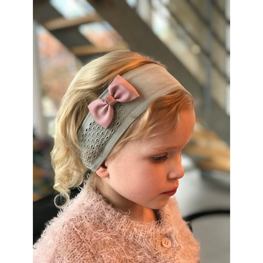 bowtie antik rosa (7 cm) hår sløjfe fra By Står. Køb hos www.ciha.dk