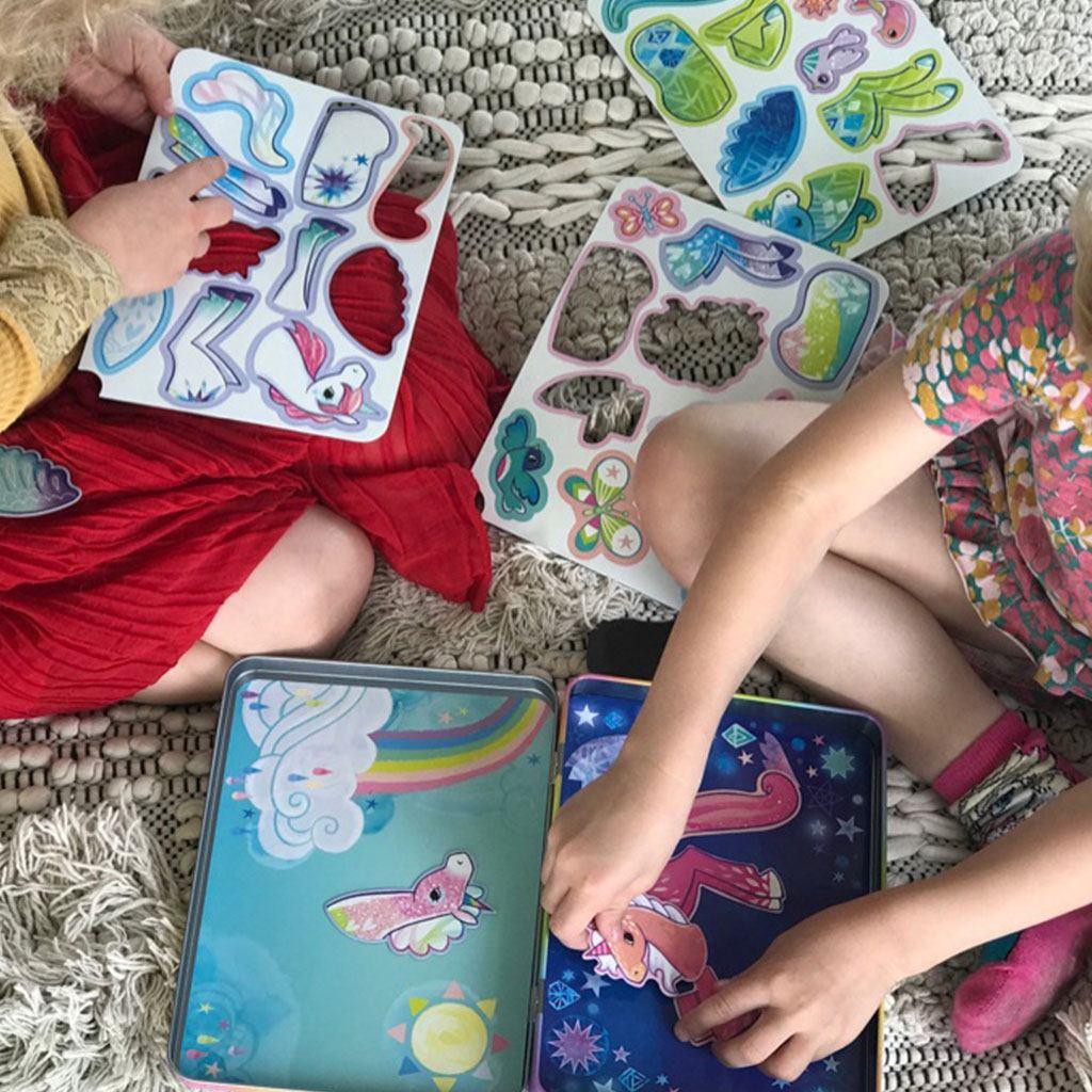 magnetæske med enhjørninger. Lav dine egen fabel dyr sig lær at matche delene. Køb hos www.ciha.dk