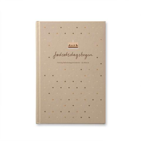 Fødselsdagsbogen fra withwhite med plads til 20 fødselsdage for 1 barn eller brug den som familie bog for hele familiens fødselsdage