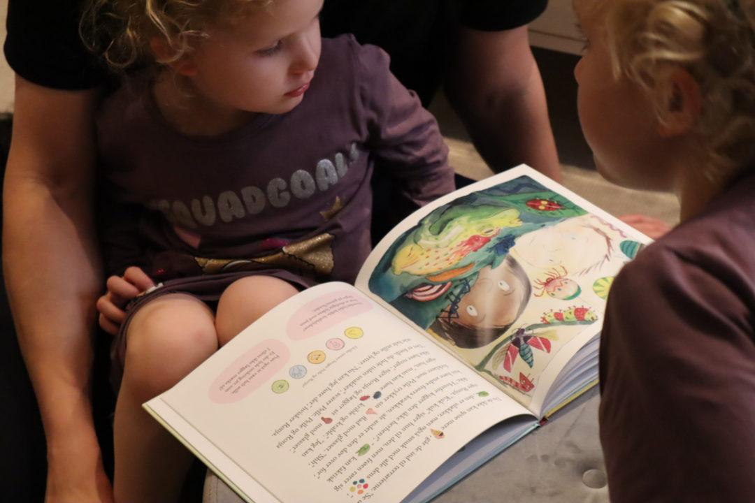 9 tips til at engagere dit barn til at læse bøger