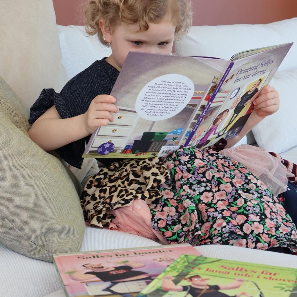 Bogserie om sallys far. En sjov og humoristisk serien for børn fra 4 år.