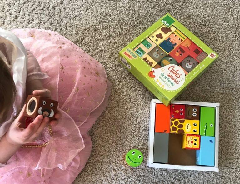 klodser, legetøj, sanse klodser, klassiske klodser, motorik, kategorisering, tal, matching, kognition, leg og lær, legetøjs jungle, barselsgave, dåbsgave
